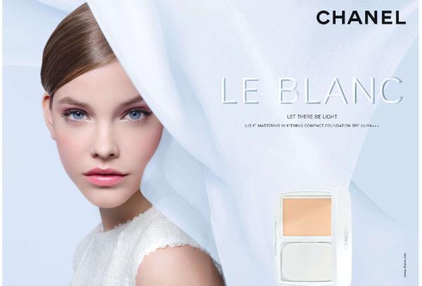 Altura exigida por uma agência de modelos - Barbara-Palvin - Modelo com 1,71 de altura em campanha para Chanel
