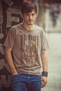 Marcio Kiss faz sucesso nas passarelas do Brasil de do mundo